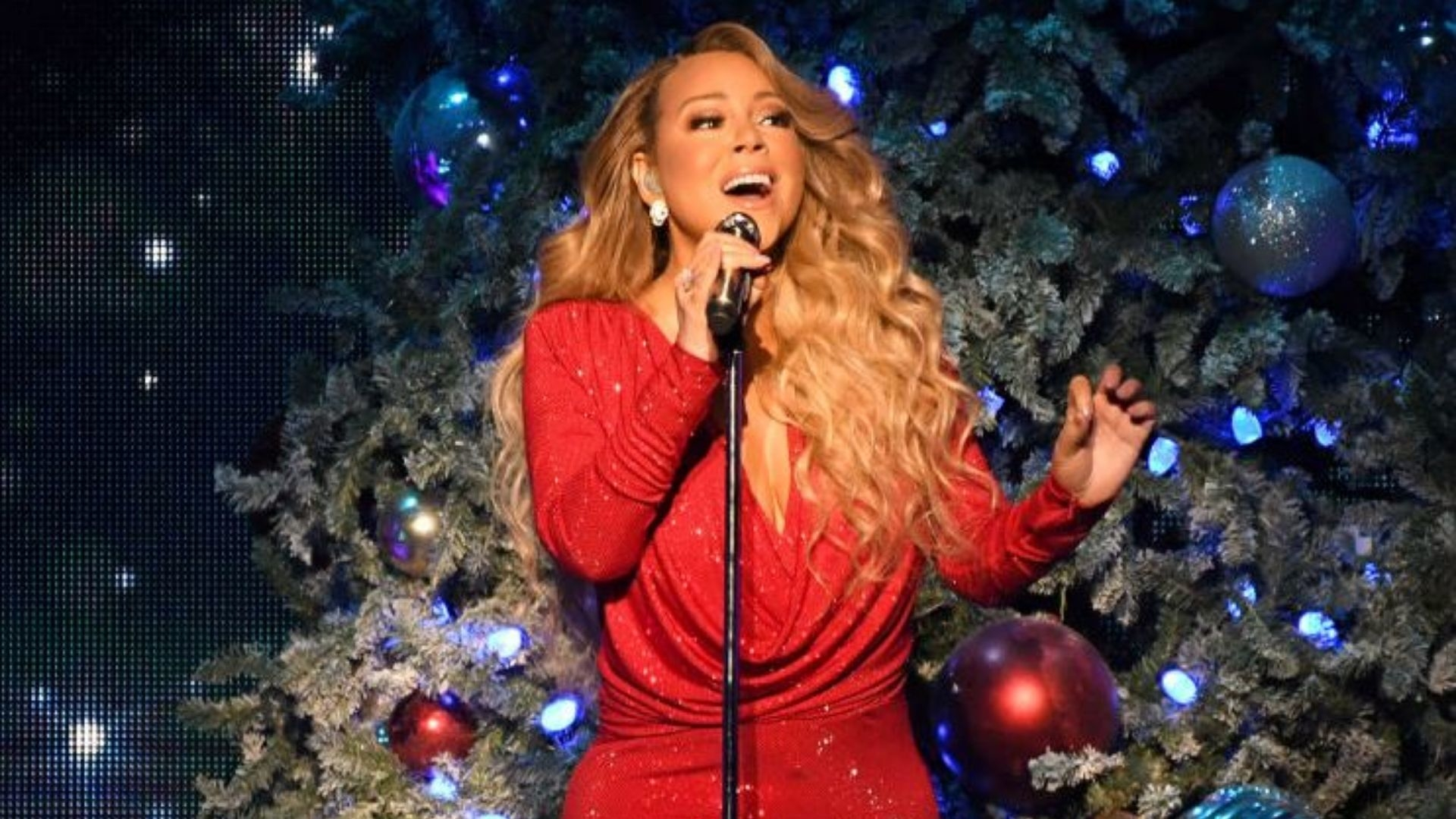 "After 25 Years, Mariah Carey's ""All I Want For Christmas Is You"" Hits No. 1 On The Billboard Hot 100"