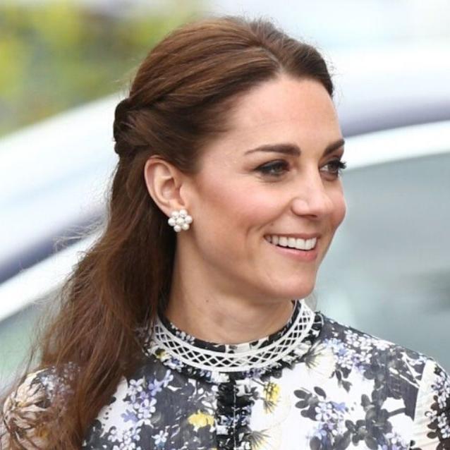Kate Middleton Just Awkwardly Shrugged Off Prince William On National TV
