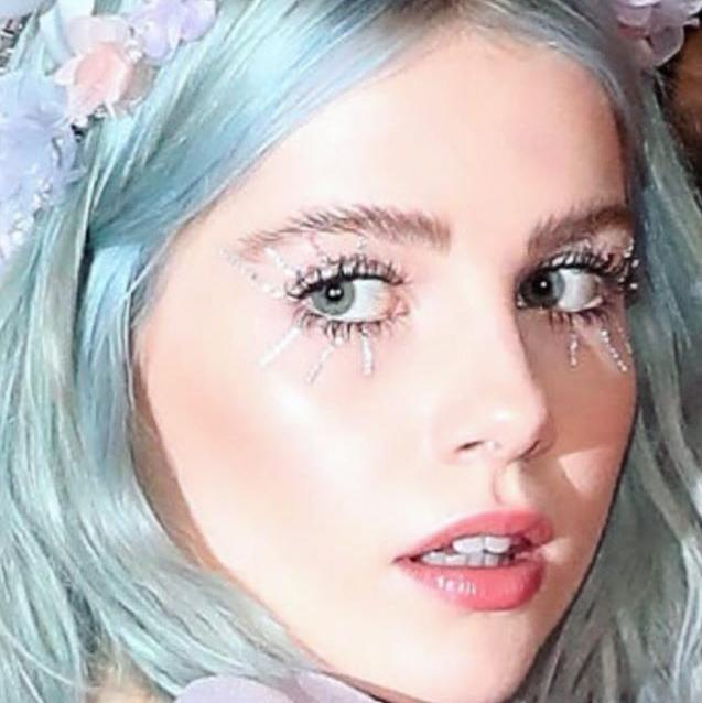 7 Volumising Mascaras To Get The Twiggy Look