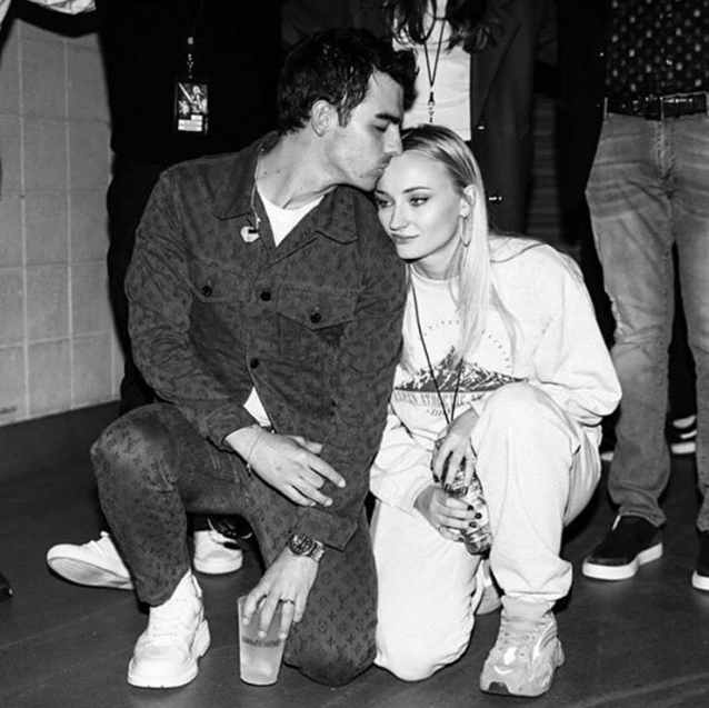 Sophie Turner And Joe Jonas Are Expecting A Baby