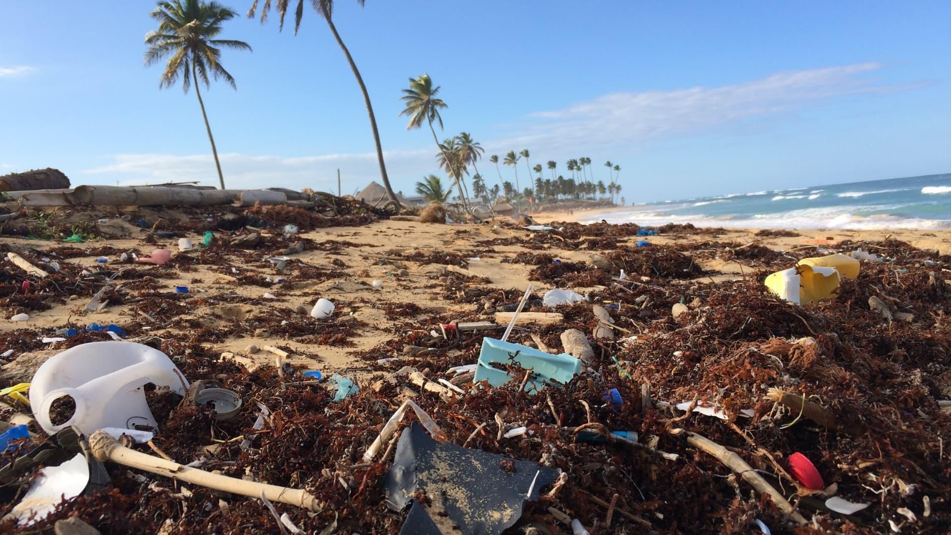 Abu Dhabi Will Ban Single-Use Plastic By 2021