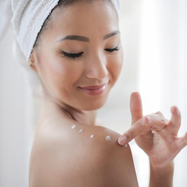 The 5 Best Ingredients To Fight Hyperpigmentation