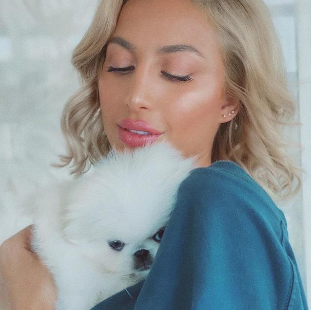Model Roz's New Puppy Is Simply Too Cute For Words