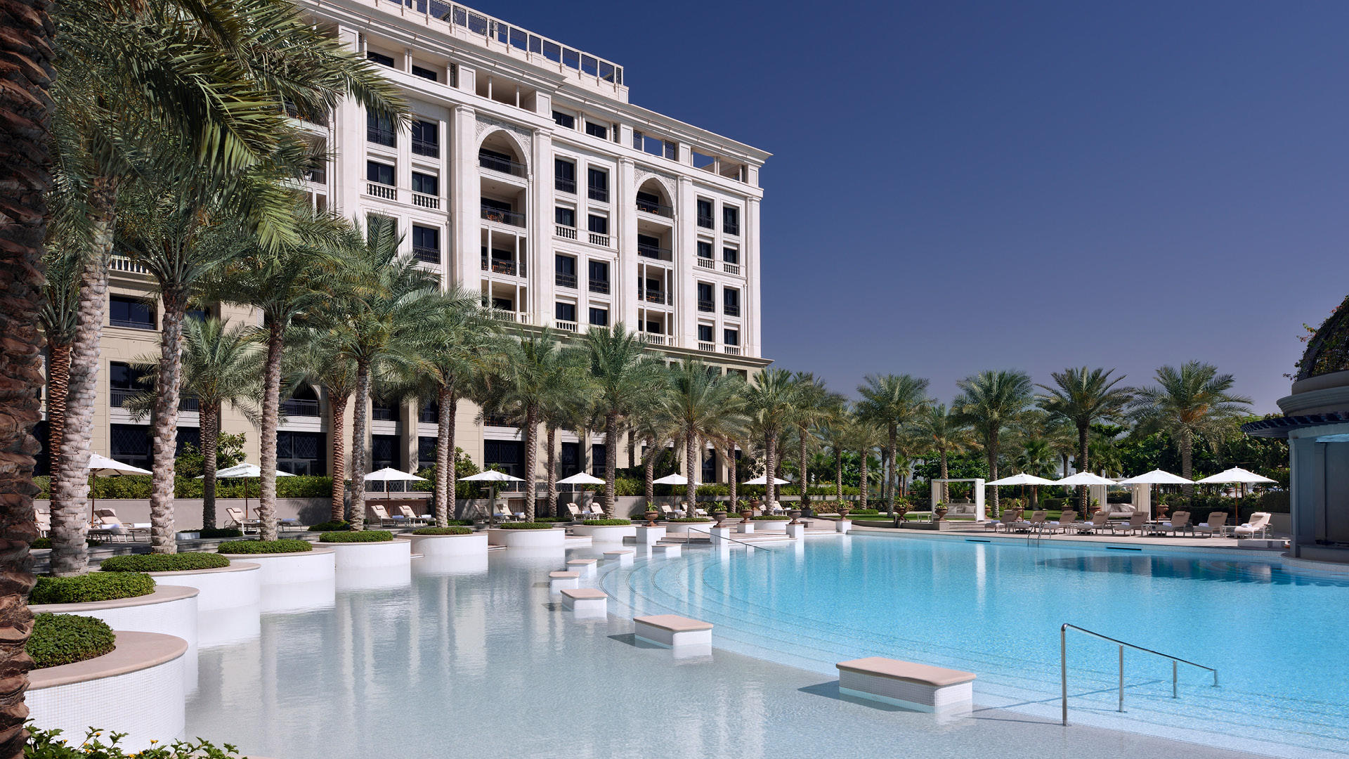 Indulge In The Ultimate Luxe Experience At The Palazzo Versace This Summer