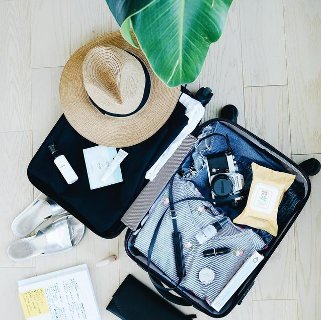 5 Travel Essentials You Absolutely Need When Flying During A Pandemic