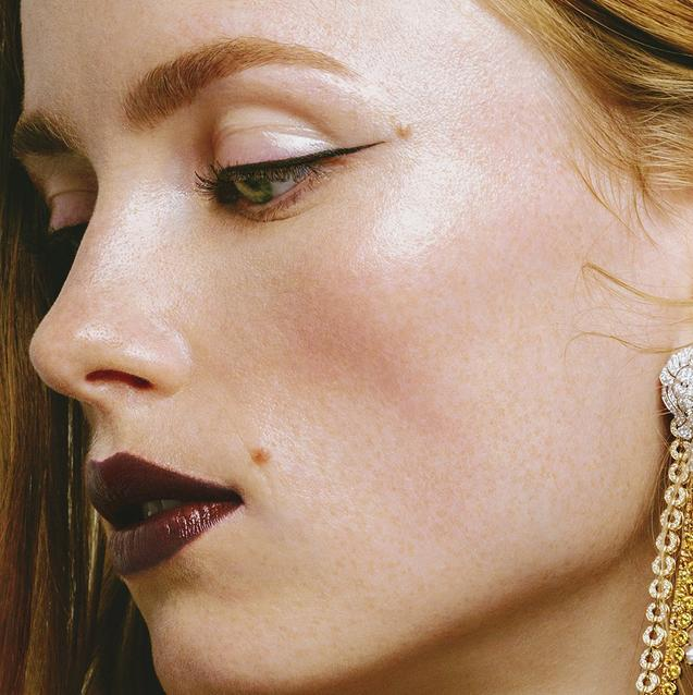 Behind The Look: Chanel Fall-Winter 2021 Haute Couture Beauty By Lucia Pica