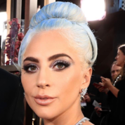 golden-globes-best-beauty-2019-(8).png